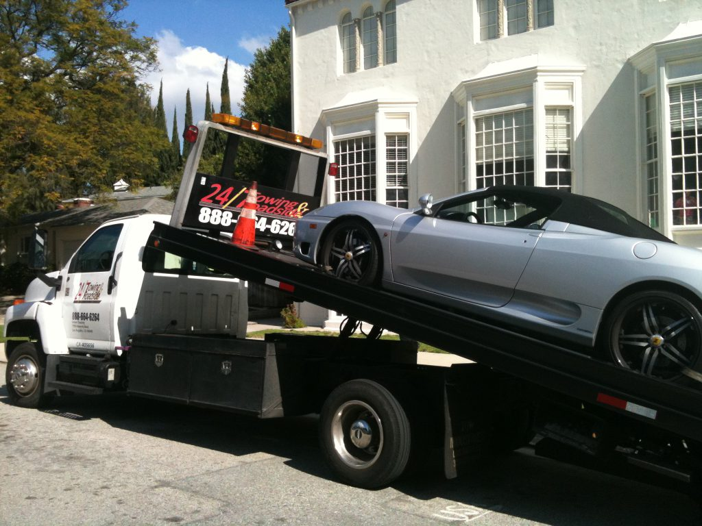 Towing Hollywood